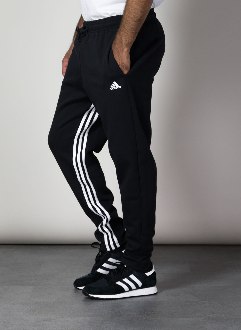 pantaloni adidas tre strisce