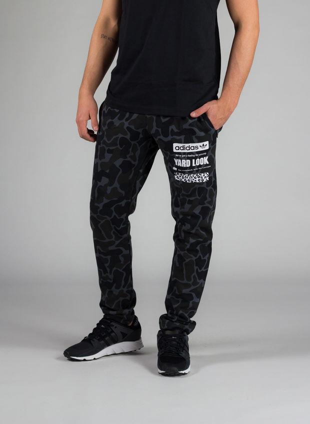 pantaloni camo adidas